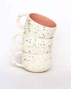 Ceramic Clay, Ceramic Planters, Ceramic Painting, Pottery Mugs, Ceramic Pottery, Pottery Art, Pottery Painting Designs, Hand Painted Ceramics, Kitchen