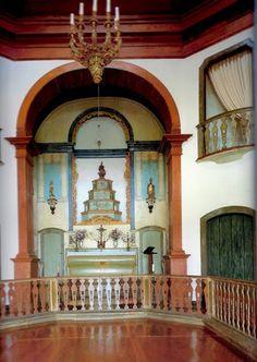 Capela da Fazenda Pau Grande da família Ribeiro de Avellar, também proprietária da Fazenda Boa Esperança. Localiza-se no distrito de Avelar, em Paty do Alferes.  http://sergiozeiger.tumblr.com/post/91068142888/a-fazenda-pau-grande-localiza-se-no-distrito-de