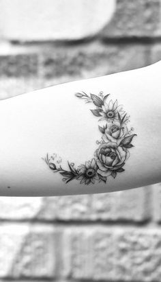 Black and White Floral Flower Moon Forearm Tattoo Ideas for Women -Tattoo Ideas . - Black and White Floral Flower Moon Forearm Tattoo Ideas for Women -Tattoo Ideas for Women – Idea - Black And White Flower Tattoo, White Flower Tattoos, Rose Tattoos, Black Tattoos, Body Art Tattoos, Girl Tattoos, Sleeve Tattoos, Tattoos For Guys, Tattoo Flowers