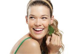 ¡Sonríe tu piel con Botanical Effects, la nueva línea de Mary Kay para pieles jóvenes y sensibles!