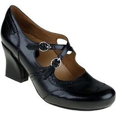 Shop the best T-Strap (T-bar), Mary Jane, oxford, heels and pumps with flapper appeal and new shoe comfort. 1930s Shoes, Vintage Shoes, Vintage Style, Flapper Shoes, Comfortable Dress Shoes, Mary Jane Heels, New Shoes, Lace Up Boots, Shoes Online