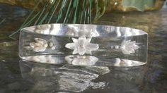 VINTAGE ART DECO Bakelite Era Lucite Reverse Carved Brooch Pin Seashell Perspex