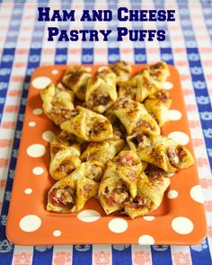 Ham and Cheese Pastry Puffs ~ These are easy to make and taste amazing - ham, cheese, and seasoning wrapped in puff pastry - can assemble and freeze for later. Great for parties or a quick lunch or dinner. Finger Food Appetizers, Yummy Appetizers, Appetizers For Party, Finger Foods, Appetizer Recipes, Snack Recipes, Cooking Recipes, Snacks, Tailgating Recipes