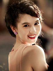 Hình ảnh người mẫu Ngọc Trinh ngọt ngào và lãng mạn với nụ cười tỏa sáng, đó là những nét đẹp mà ai cũng phải ghen tị với cô nàng nữ hoàng nội y cực hot này