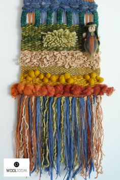 Hand woven wall hanging // weaving // telar decorativo made by WooL LooM