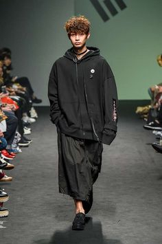 Vlades Spring-Summer 2017 - Seoul Fashion Week