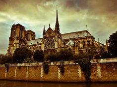 old fashioned view of the Notre Dame by Maxim Solodov, via 500px