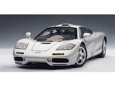Amazon.com: McLaren F1 Short Tail Road Car 1/18 Silver: Toys & Games