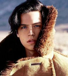 Cole Sprouse being so beautiful it hurts me.