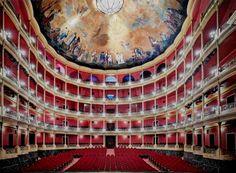 Teatro Delegado, fotografía de Candida Höfer.