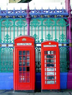Red Phone Boxes, Joel Bond Travels, London Discovery