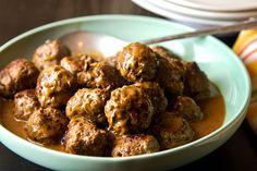 10 Paleo Meatball Recipes To Try Today - Irena Macri Meat Recipes, Paleo Recipes, Whole Food Recipes, Cooking Recipes, Paleo Food, Paleo Kids, Paleo Baking, Paleo Meals, Lamb Recipes