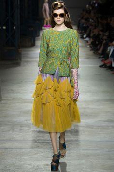 Dries Van Noten Spring 2016 Ready-to-Wear Fashion Show - Grace Hartzel (Next)