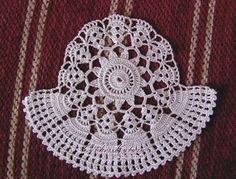 dantelli mutfak örtüsü Crochet Tote, Crochet Doilies, Crochet Projects, Kitchen Decor, Diy And Crafts, Crochet Earrings, Projects To Try, Crochet Patterns, Embroidery