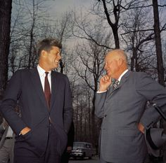 April 1961 - President John F. Kennedy and former President Dwight D. Eisenhower meet at Camp David during the Bay of Pigs situation. Presidential Portraits, Familia Kennedy, Presidential Libraries, Camp David, People Of Interest, American Presidents, Jackie Kennedy, Former President, Us History