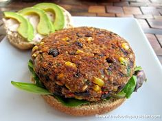Black Bean & Quinoa Veggie Burgers used bulgar in place of quinoa and salsa in place of tomato paste. Eric and the girls have said it was the best black bean burger they have ever had! Quinoa Veggie Burger, Veggie Patties, Veggie Food, Vegetarian Recipes, Cooking Recipes, Healthy Recipes, Vegetarian Barbecue, Vegetarian Cooking, Cooking Tips