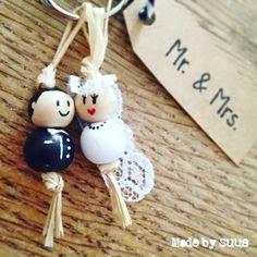 Wat een prachtig paar!  Lief kadootje voor het aanstaande bruidspaar... Foto Wedding, Diy Wedding, Wedding Gifts, Kids Crafts, Crafts To Make, Rockabilly Wedding, Gift Wraping, Unusual Gifts, Used Iphone