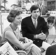 Swedish actress Ingrid Bergman (1915 - 1982) and American actor Anthony Perkins (1932 - 1992) at the Cannes Film Festival, 17th May 1961.