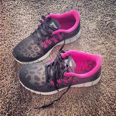 My next pair of nike free runs!! Leopard print hot pink& black!! <3