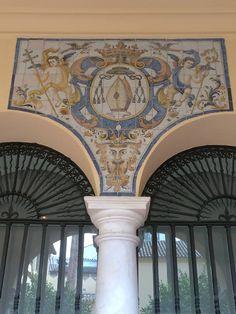 """Azulejos Sevillanos. Escudo Arzobispal. """"Jardín Privado"""". Fines del S. XVIII. Palacio Episcopal. Málaga"""