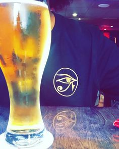 I love my Canadian BEER🍻 #summervibes #chillvibesonly #guysstyle #mensfashion #green #nike #streetfashion #young #mogul #upscalehype #retail #buyers #asos #zara #blogs  #blackandyellow #potd #streetcentral #zaracanada #homeistoronto #adidas #torontolife #bloggers #gqstyle #magazine #takeover #beerandwings #beerwithfriends #worldwide #outfitsociety #popupshop #edgystyle #armyprint #90sstyle #bboys #elite #punkroyalty #polo #snapbacks #Levisjeans #showstopper