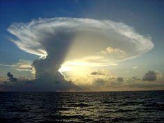 Die besten 100 Bilder in der Kategorie wolken: Wolke ?ber dem Meer