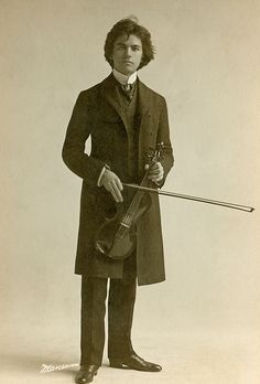 :::::::: Antique Photograph :::::::: Cabinet photo of a young violinist from New York and a very handsome one at that!
