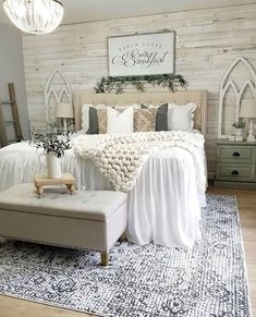 26 Rustic Bedroom Design and Decor Ideas for a Cozy and Comfy Space - The Trending House Farmhouse Master Bedroom, Master Bedroom Design, Dream Bedroom, Home Decor Bedroom, Bedroom Designs, Modern Bedroom, Rustic Chic Bedrooms, Master Bedroom Decorating Ideas, Rustic Girls Bedroom