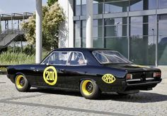Opel Rekord C Aus den guten Zeiten des Breiten-Rennsports bei Opel: die schwarze Witwe. . . Kurz nach der Einweihung der Opel-Styling-Abteilung
