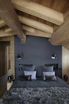 Creative Chalet style of interior decorating ideas Home Bedroom, Master Bedroom, Bedroom Decor, Bedrooms, Bedroom Ideas, Bedroom Layouts, Gray Bedroom, Trendy Bedroom, Design Bedroom
