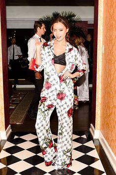 ドルチェ&ガッバーナのパジャマパーティーがロサンゼルスで開催された。ナオミ・キャンベルからジェシカ・アルバまで、美女たちのパジャマ姿がゴージャス!