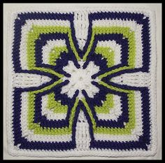 """""""Celtic Cross"""" 2012 Whimsical Wonderland - May block. Click the pic to go to the pattern page or visit me at www.donnakaylacey.com"""