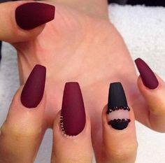Pretty black and red arclylic coffin nails