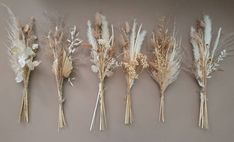 Geschenke If you have shrubs, hedges, or small trees in your yard, pruning tools are a vital piece o Small Bouquet, Dried Flower Bouquet, Flower Bouquet Wedding, Dried Flowers, Bud Vases, Flower Vases, Cactus Flower, Modern Flower Arrangements, Traditional Wedding Invitations