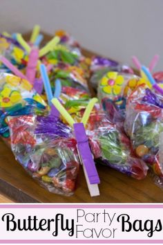 Adorable butterfly goody bags with treat filled wings. Perfect butterfly party favor. | http://www.evolvingmotherhood.com