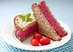 Eu amo sanduíches! São práticos e possíveis de comer em qualquer lugar. E para quem está de dieta são perfeitos pois são leves e pouco calóricos. Lembram da versão do Pink Sandwich (ver AQUI)? Era ...