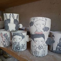 Travail en cours dans mon atelier qui reste encore frais , chance  wip wip i work à few in the studio but not enough i spend time to organize a craftmarket in Nancy whith more than 50 artits the 8 and 9 july.... it's always so great to discover new artits. #porcelain#handraw #studiolife #potter #france # week-end des metiers d'art pépinières #