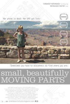 """SMALL, BEAUTIFULLY MOVING PARTS Insolito road movie mumblecore che ha per protagonista un'altrettanto inusuale donna incinta un po' nerd, la quale cerca di sanare il suo conflitto interiore tra pulsione tecnofila e spirito materno andando alla scoperta delle proprie difficili radici familiari. Splendidi gli scenari. RSVP: """"American Life"""", """"Greenberg"""". Voto: 7/8."""