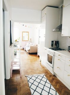 I think I would opt for stainless steel appliances. Love the floors. House Of Gold, Kitchen Dinning, Dining, Tiny Apartments, Buffet, Dream Decor, House Rooms, Apartment Living, Decoration
