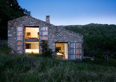 目指すは、自然エネルギーだけで暮らせる家。デザインスタジオが手がけたオフグリッドハウス!  |  greenz.jp グリーンズ