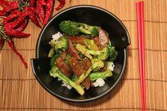 """No Nevera Vacía: """"Beef"""" seitán y Broccoli Stir-fry Broccoli Stir Fry, Broccoli Beef, Seitan, Fries, Empty, Alternative, Food, Cake, Vegetarian"""