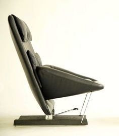 Vittorio Introini; Leather and Steel Adjustable Lounge Chair for Saporiti, c1982.