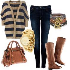 jean skinny azul + sweater navy azul/arena + botas caña alta / cartera marrón - accesorios dorado/marrón/azul
