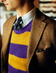 Drake's is a purveyor of classic British elegance. A maker and haberdasher, Drake's handcrafts some of the world's finest shirts, ties and accessories. Preppy Men, Preppy Style, Ivy Clothing, Drake London, Vintage Swatch Watch, Estilo Preppy, Ivy Style, Men's Style, Look Formal