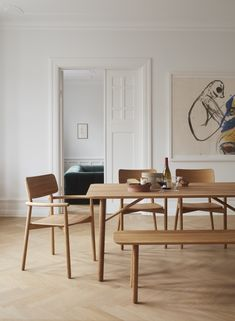 The beautiful Hven series from Skagerak, here seen in an oil treated oak finish. Scandinavian Dining Table, Scandinavian Living, Scandinavian Interior, Natural Wood Decor, Minimalist Dining Room, Japanese Interior, Dining Room Inspiration, Home Furniture, Living Room Decor