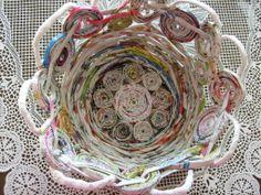 Saját munka/my own works_Színes tavaszi kosárka. Papír fonás Paper weaving
