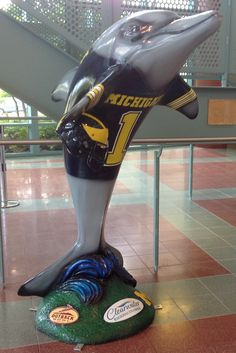 The Outback Bowl dolphin done for the Michigan Wolverines is now at the Clearwater Public Library 100 No.Osceola Avenue, Clearwater.  Sponsor: Clearwater Gas   Artist:  Robert Daltry