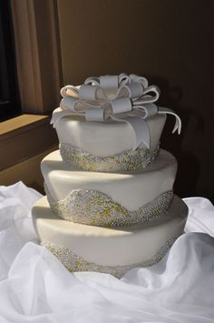 Wedding Cake - bow. #weddingcake