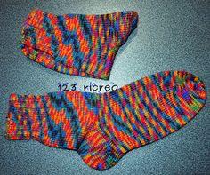 #Calzini in #lana fatti a mano: le istruzioni della nonna -  da 123ricreo Reuse Recycle, Slippers, Socks, Knitting, Creative, Tutorial, Fashion, Recipe, Tricot