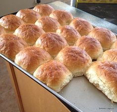 Simone's Soft Bread Rolls - Lovefoodies hanging out! Tease your taste buds!